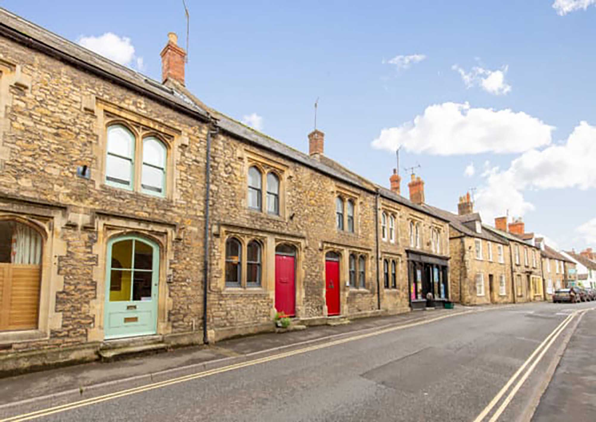 Pretty town house in Bruton High Street