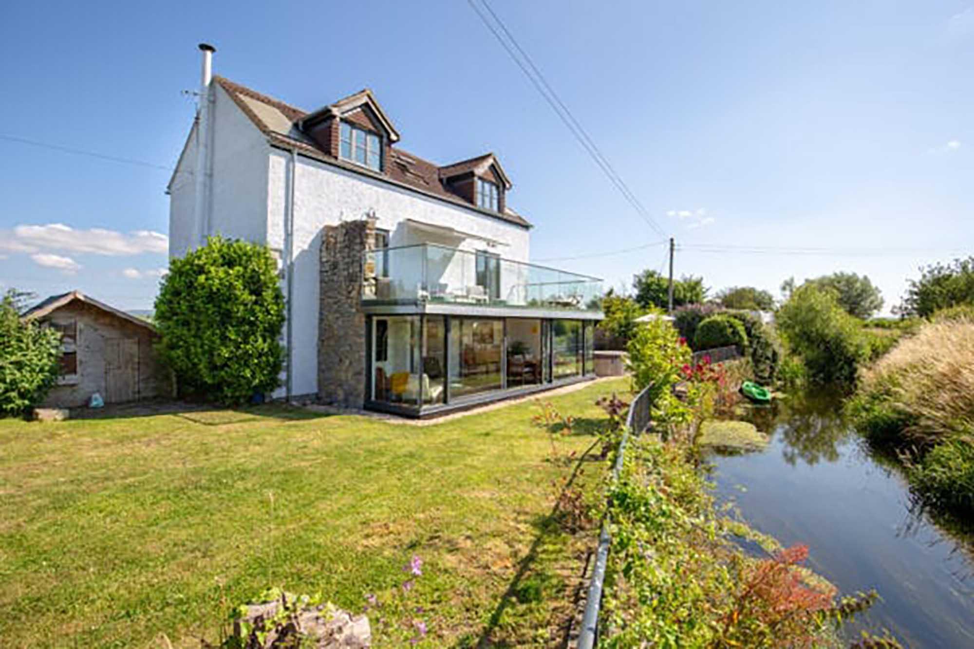 Fabulous home with stunning views of Glastonbury Tor