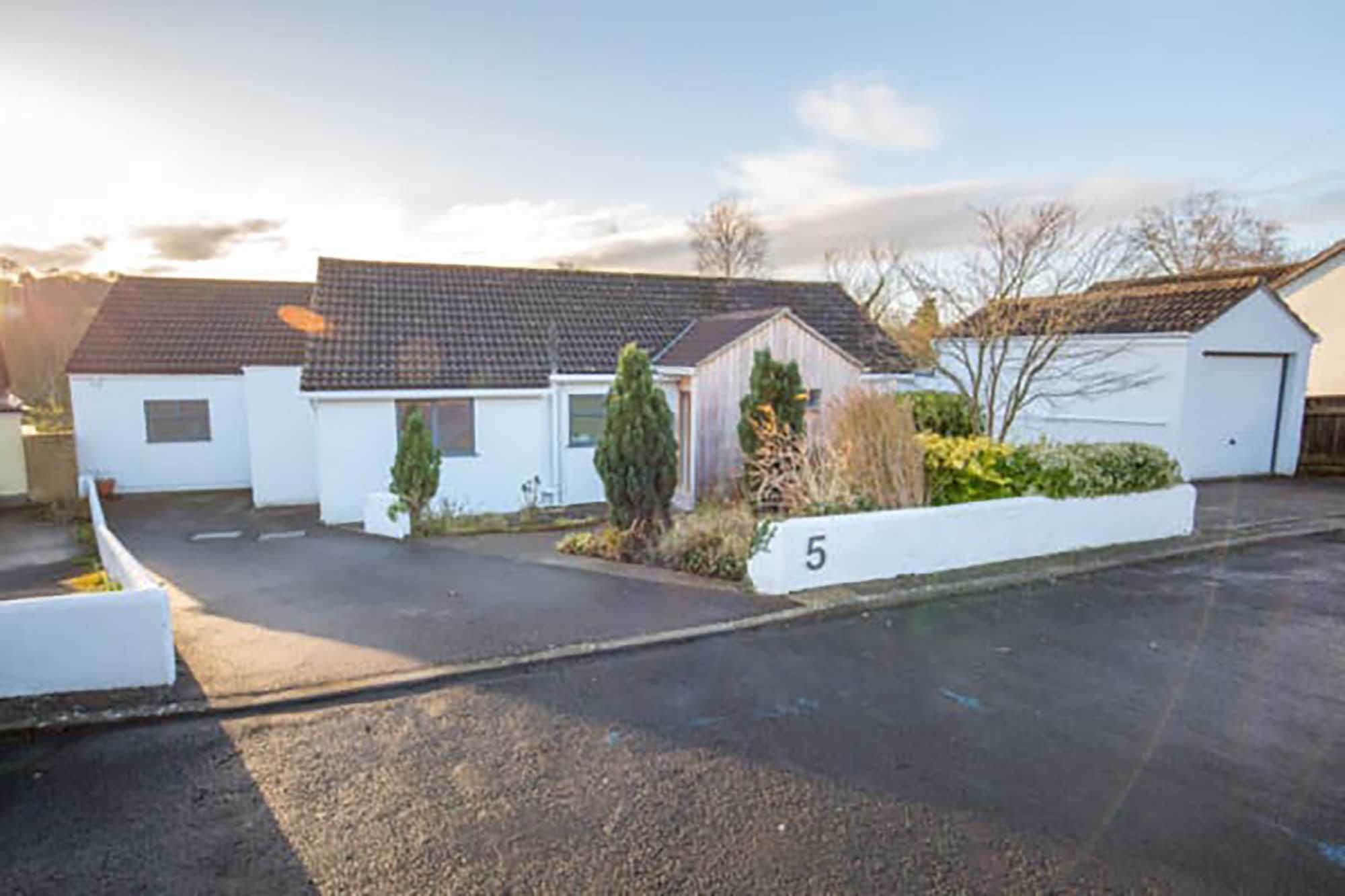 BRUTON- contemporary house- great location
