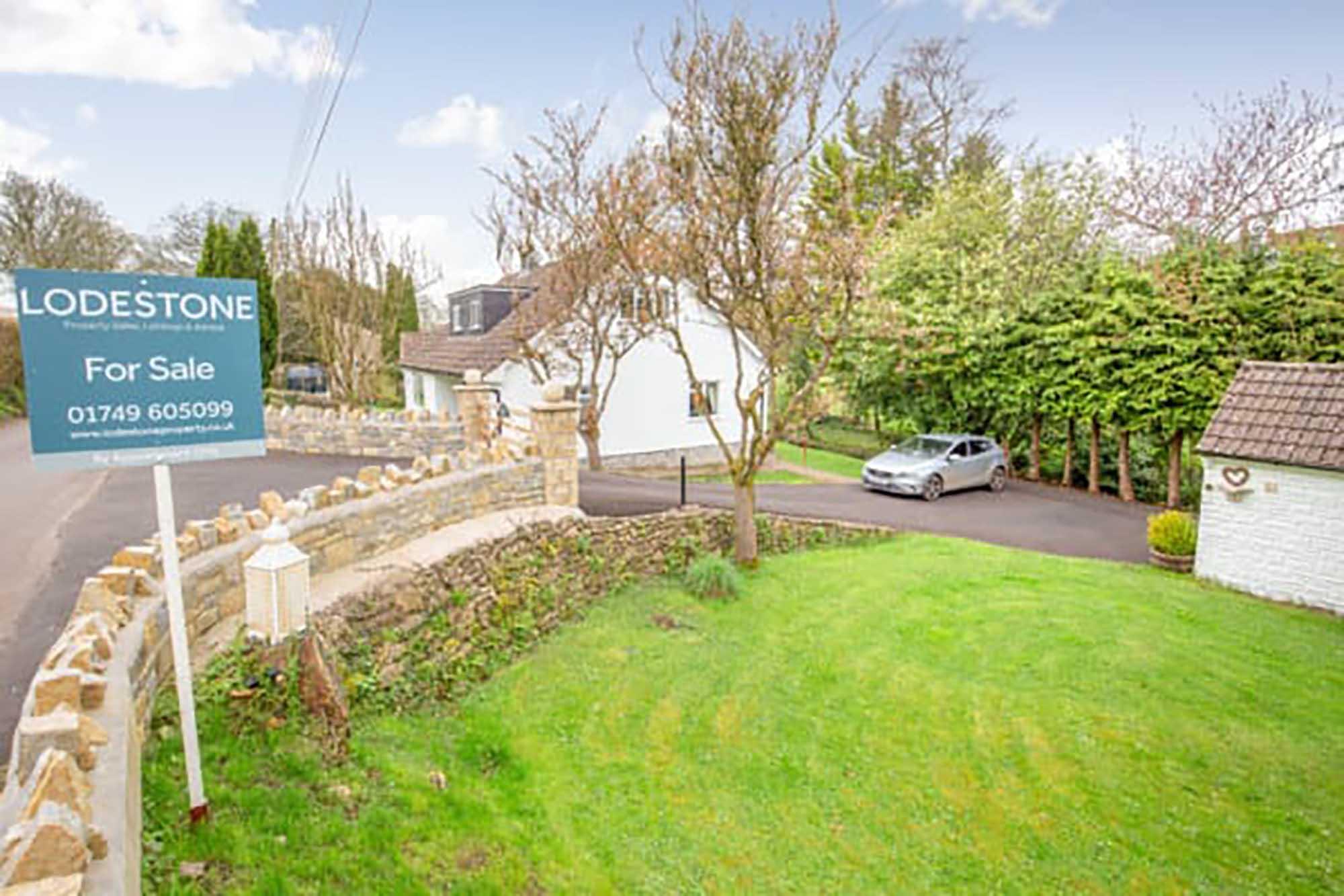 PILTON-Spacious detached house in idyllic location