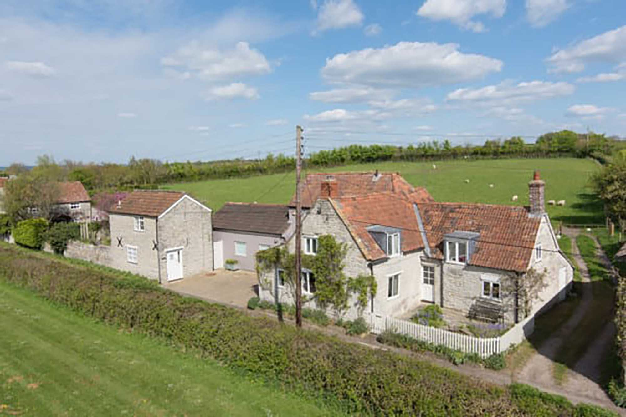 Pretty Cottage plus separate annexe, Babcary