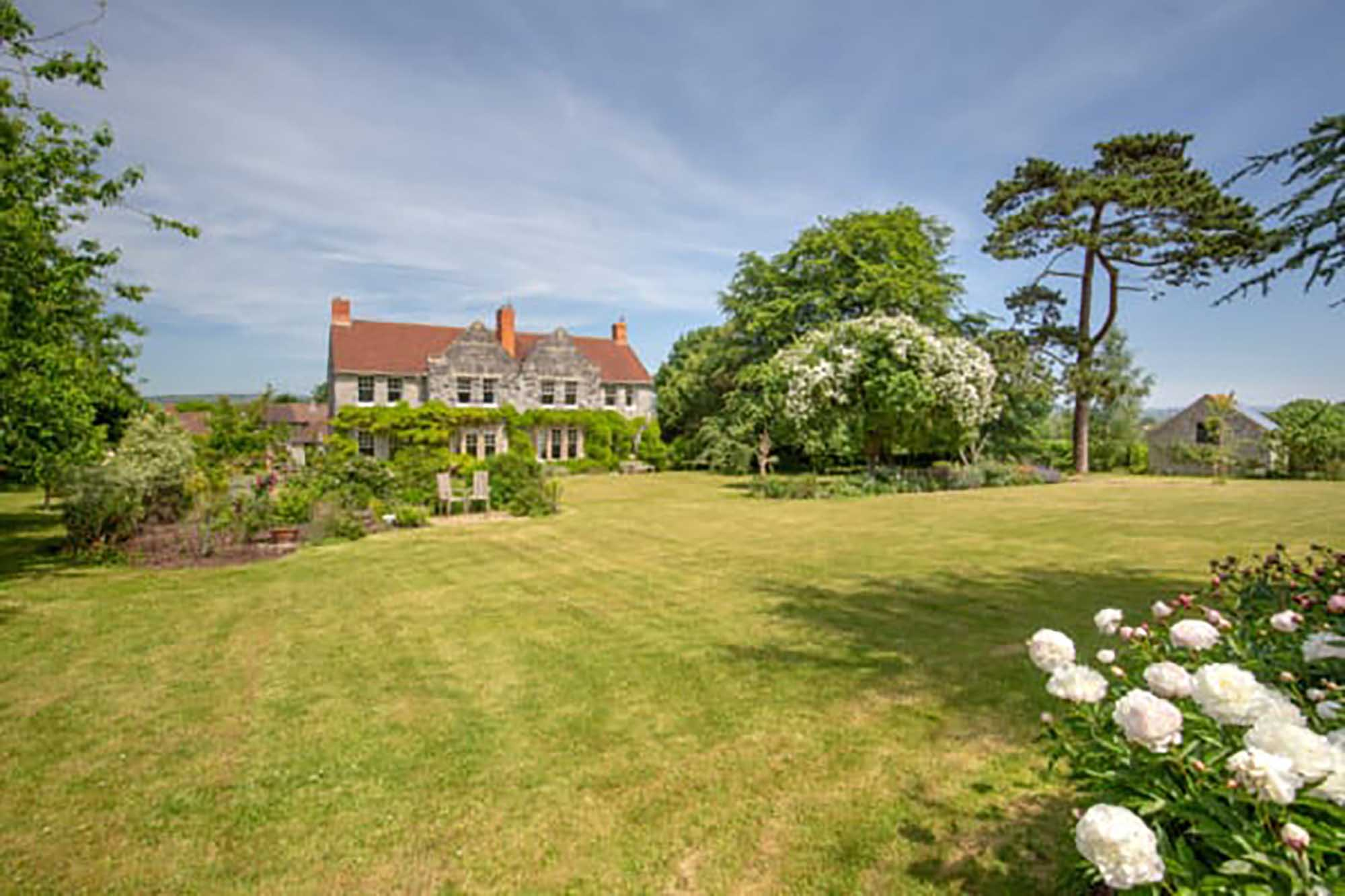 Old Vicarage with views and stunning gardens, Henton, Wells