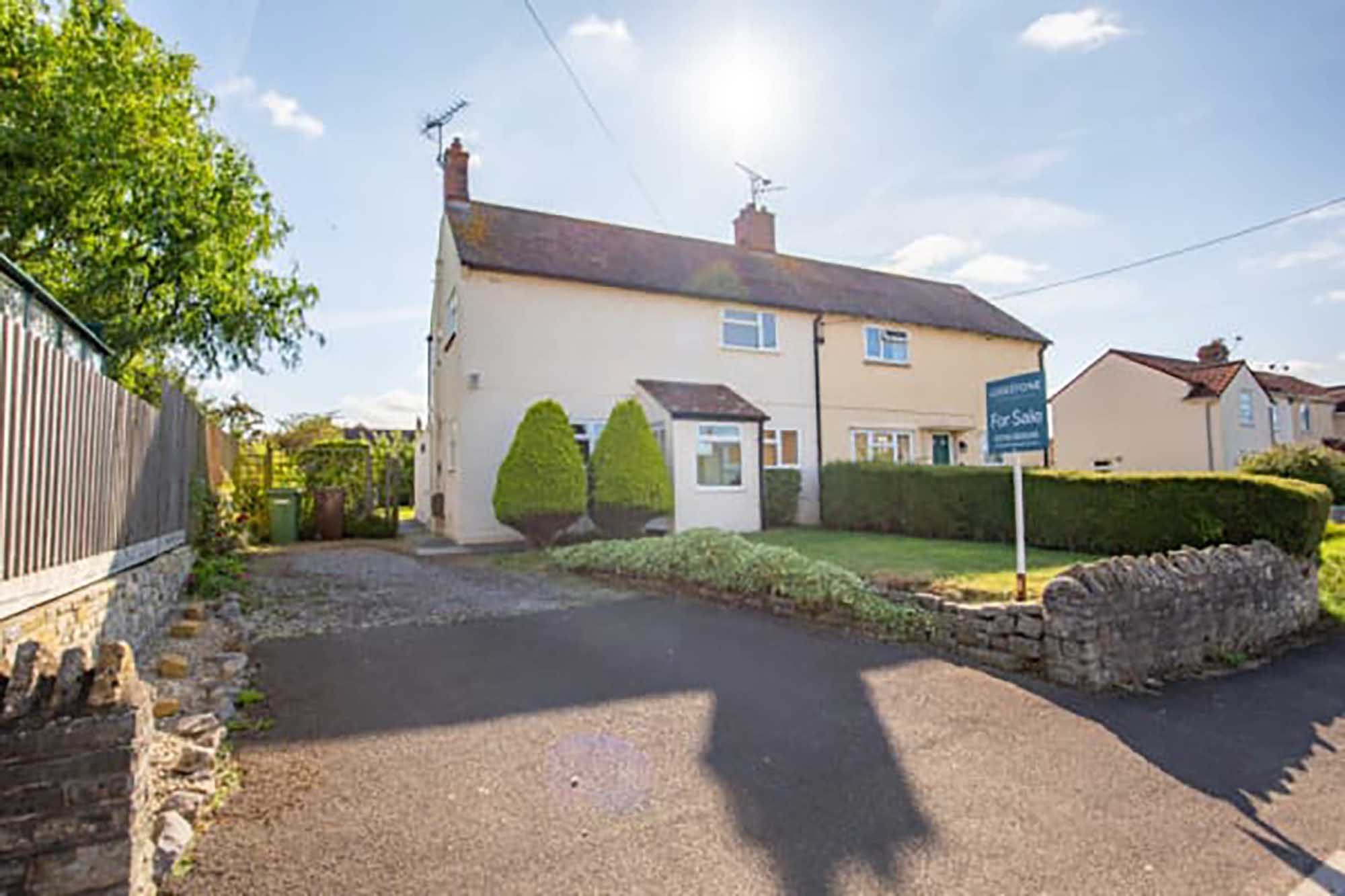 Extra large garden in desirable village location