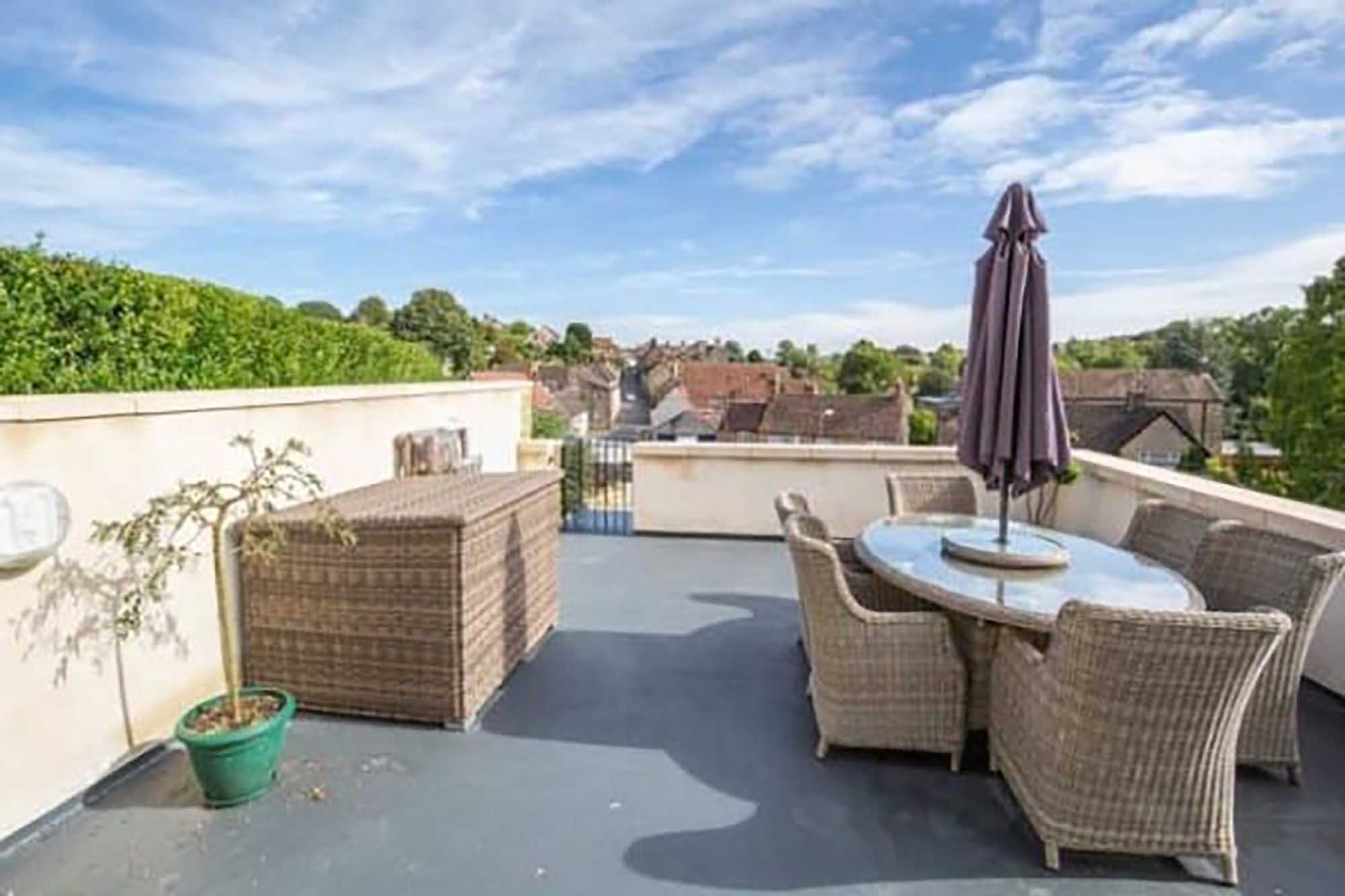 Bruton- centrally located with privacy and fabulous views of the town