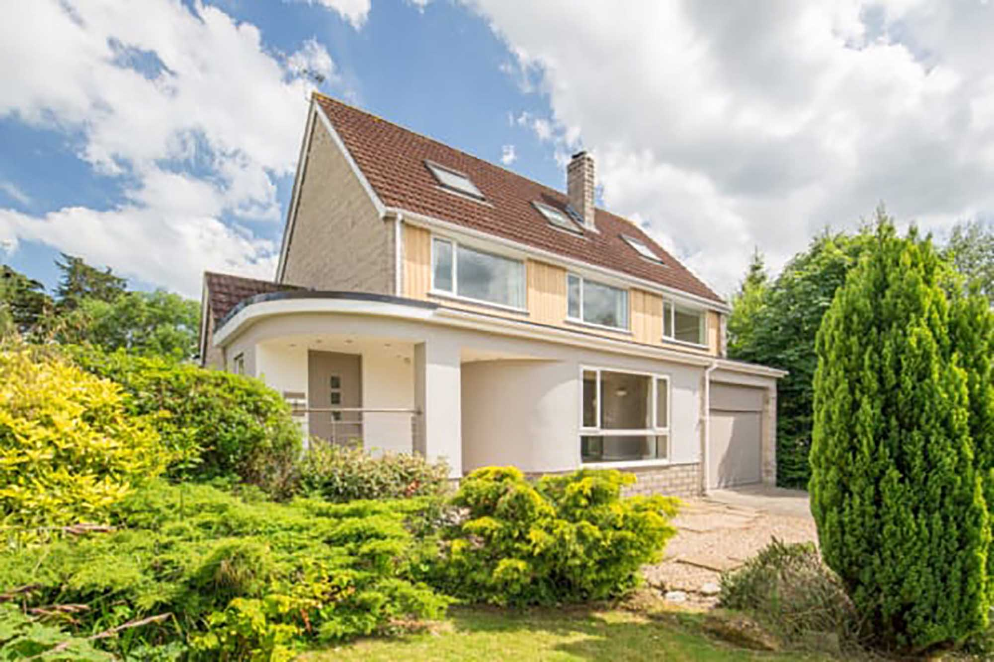 Spacious stylish family home in quiet location in the village of Baltonsborough