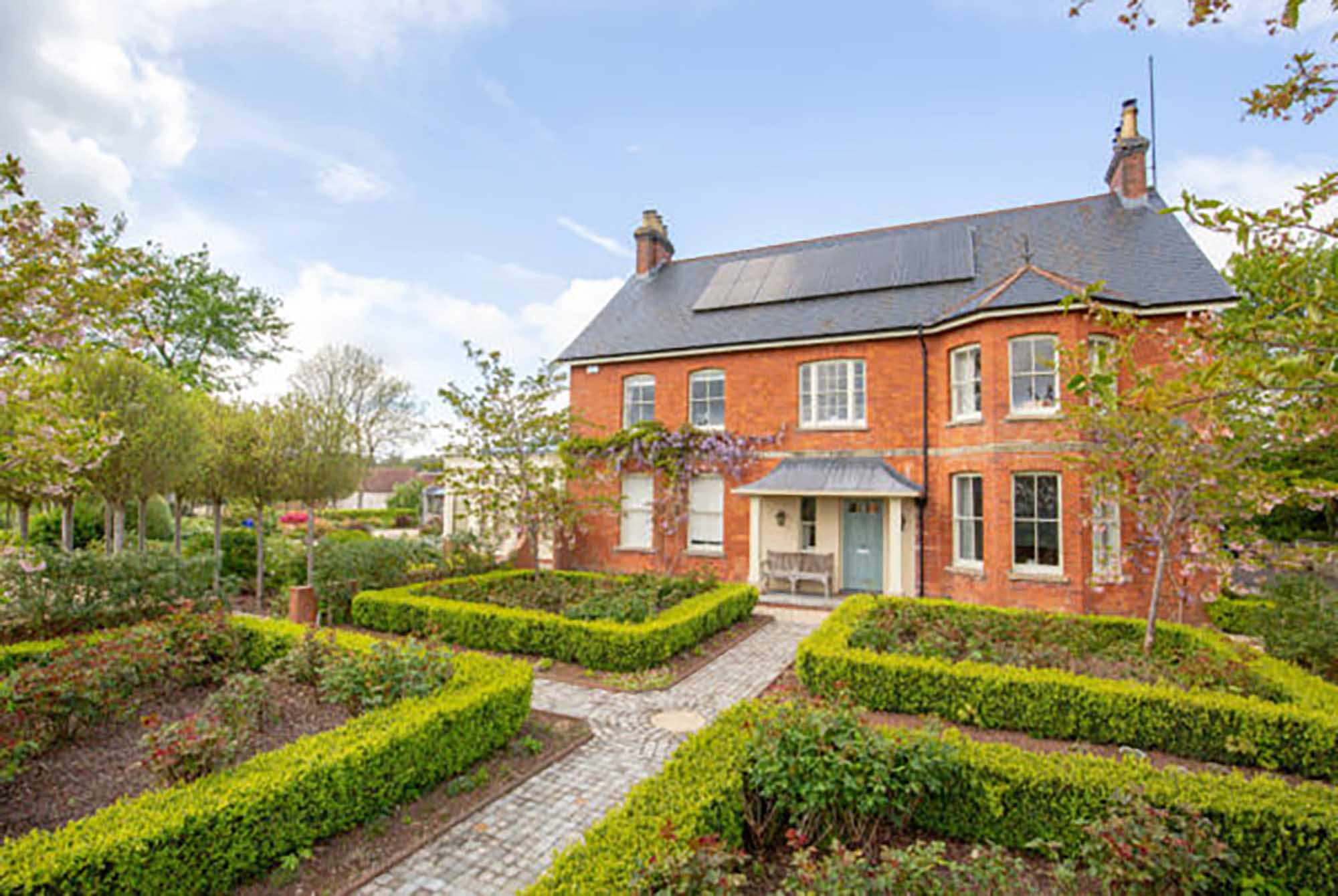 Stunning views – Beautiful Family Home with land