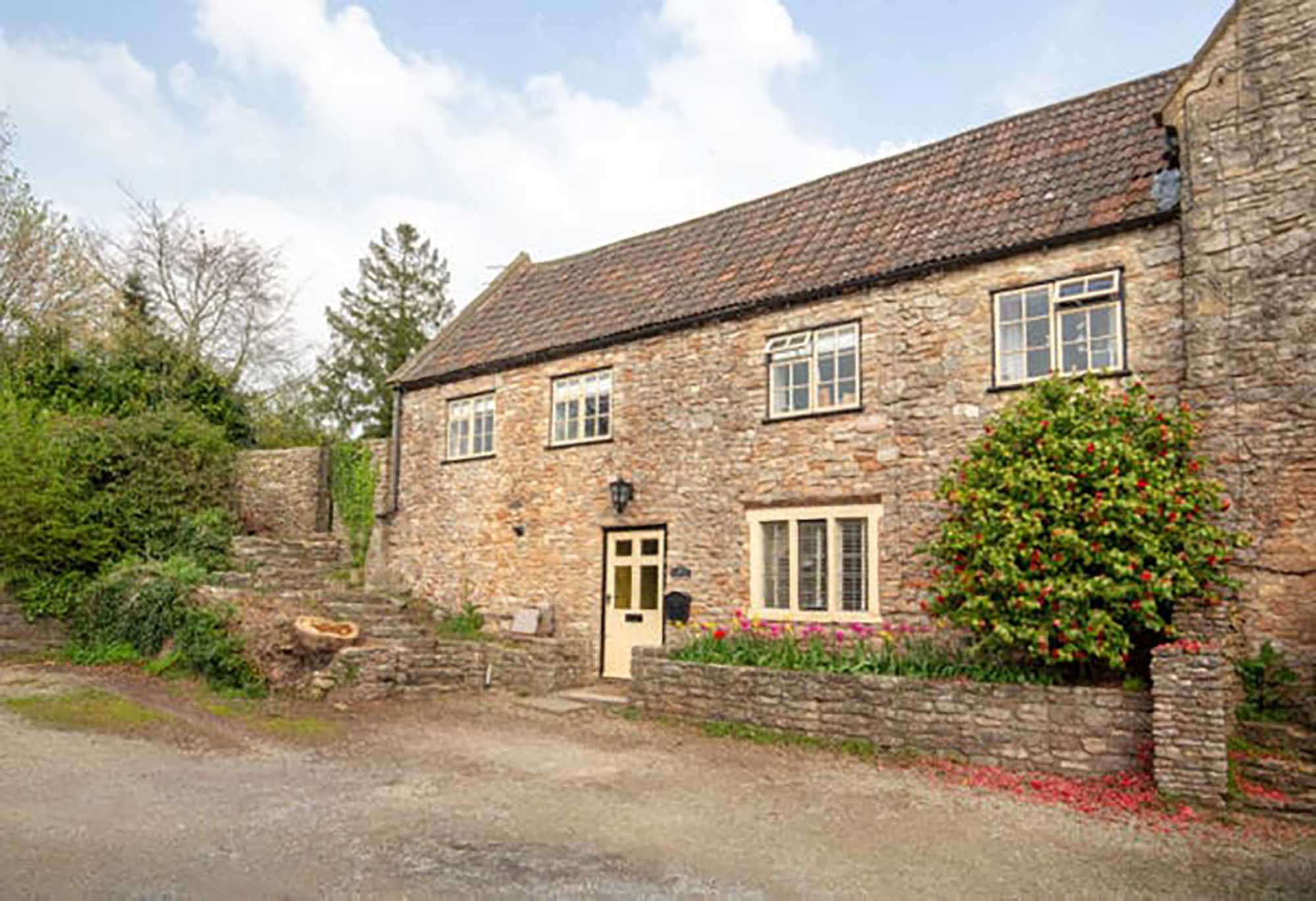 Charming character period cottage near Wells