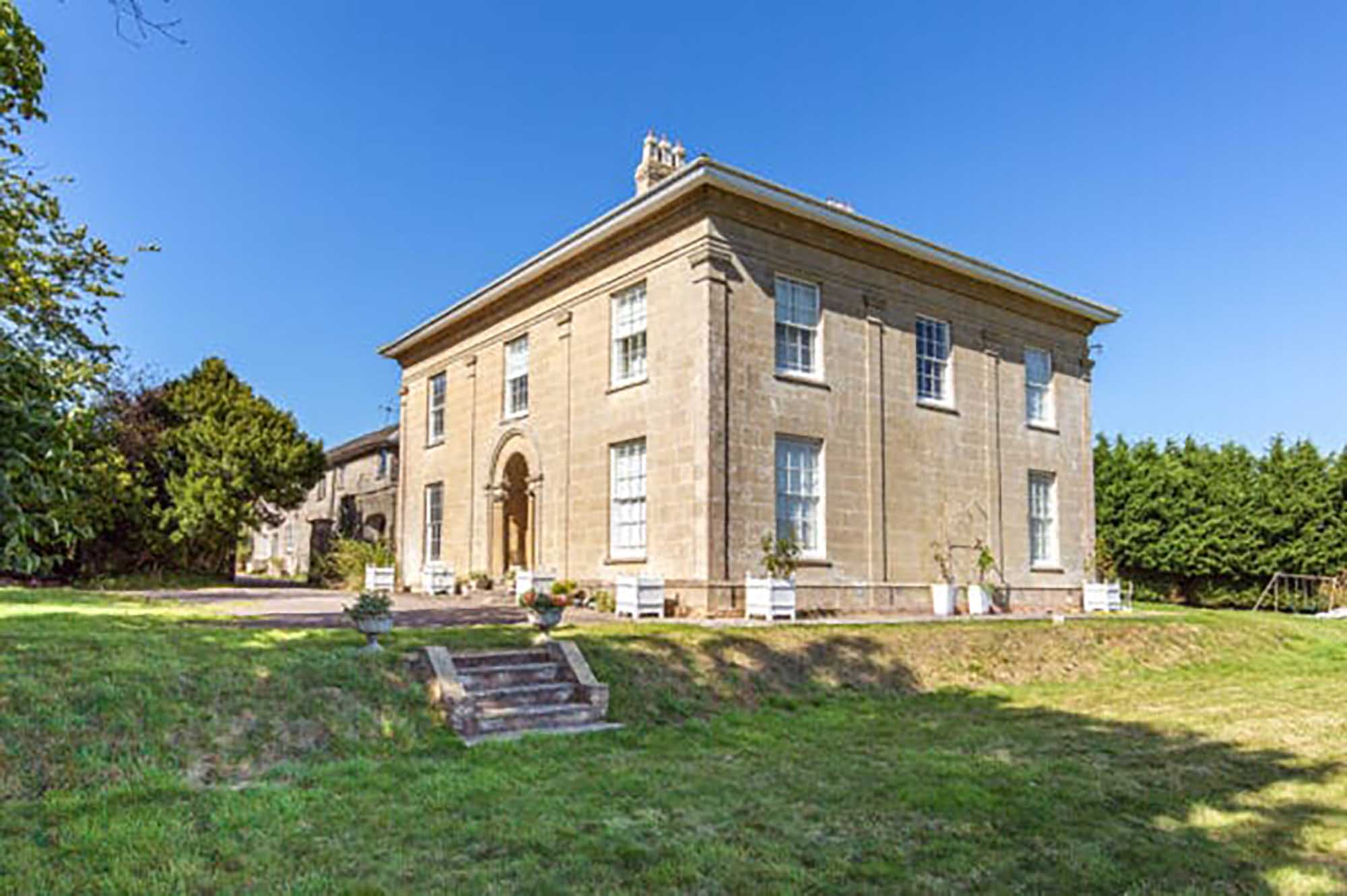 Lockhill Hall – Large Georgian House, land, cottages