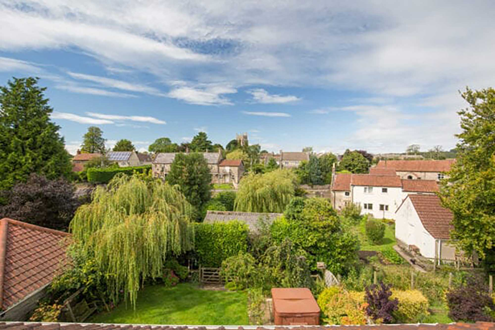 Superb Family House In Lovely Location