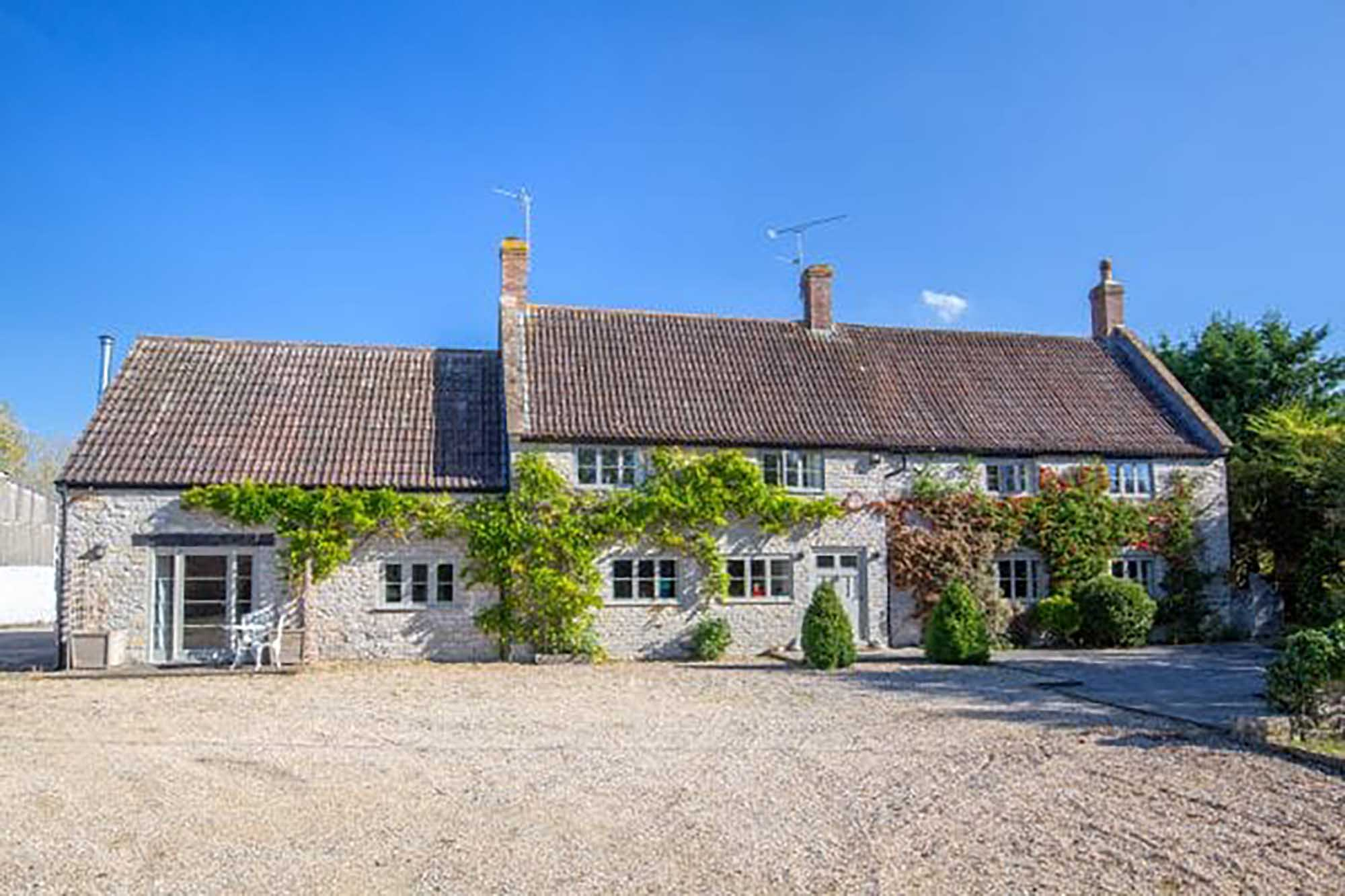 Stunning property with land & PP on outbuildings.