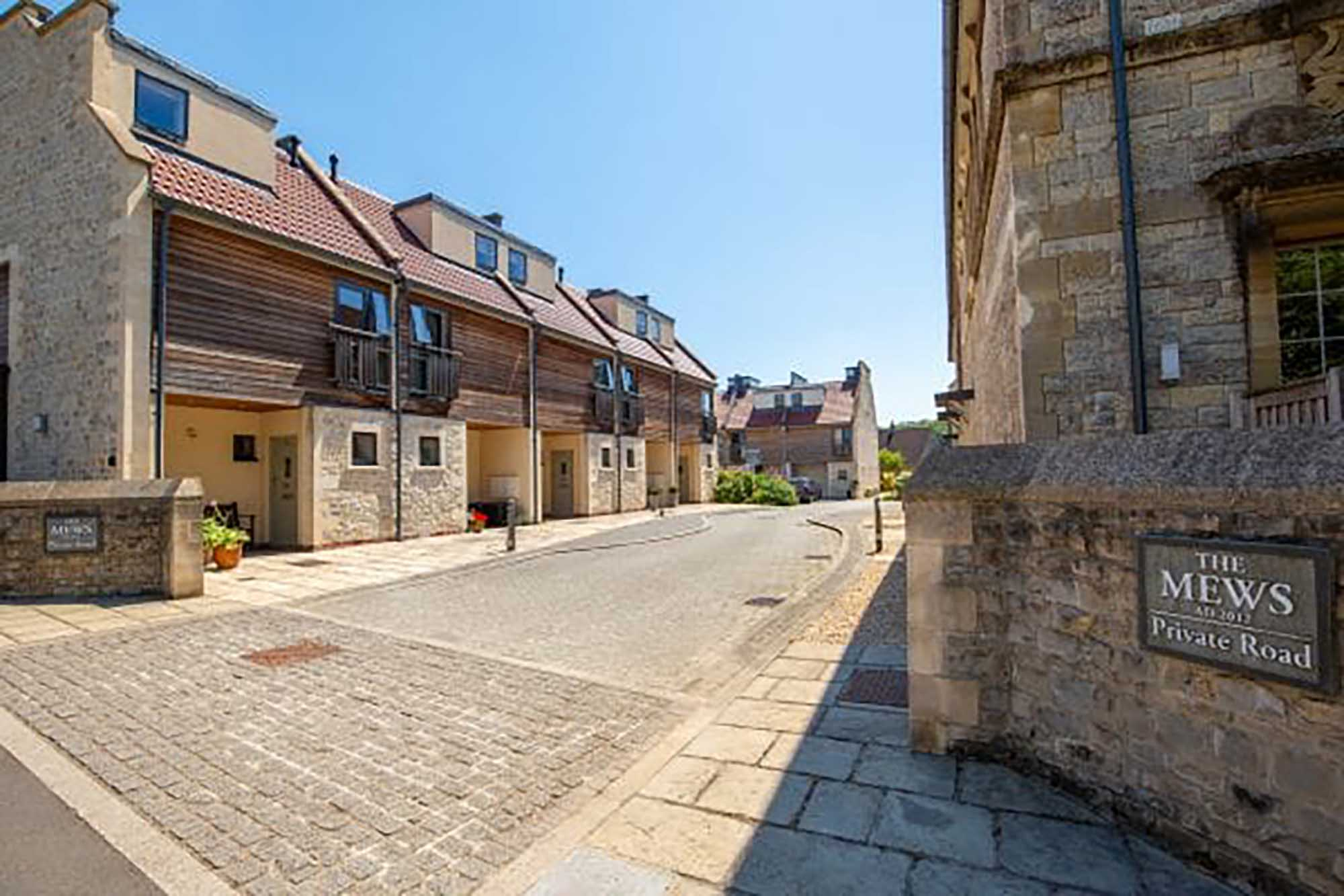 Stylish Mews House in Wells