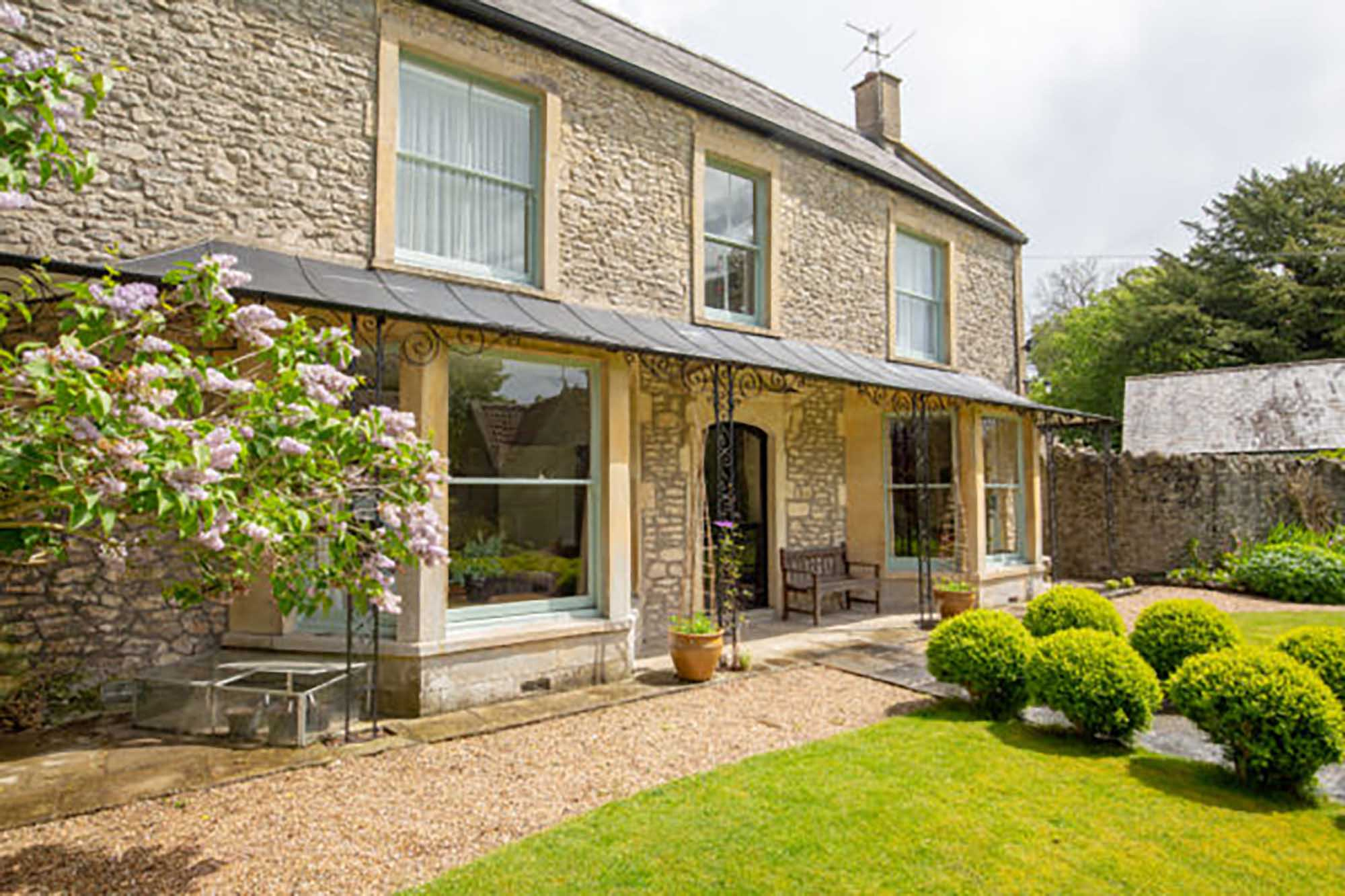 Large period house in tucked away location – Available for 6/7 month fixed rental