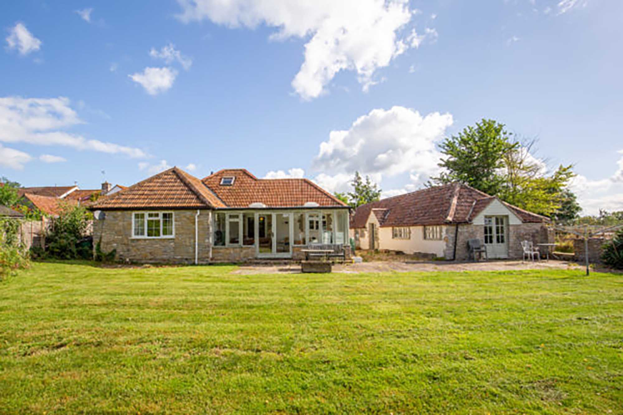 Great potential, 2 cottages in lovely rural village