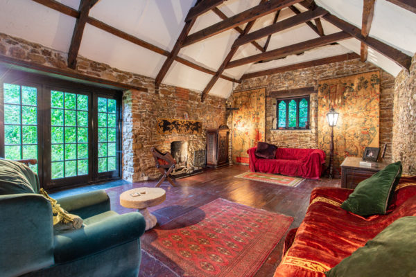 Enchanting home close to Wells
