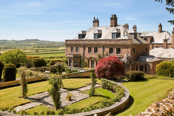 Nr Bruton, apartment with pool, tennis court, fabulous views