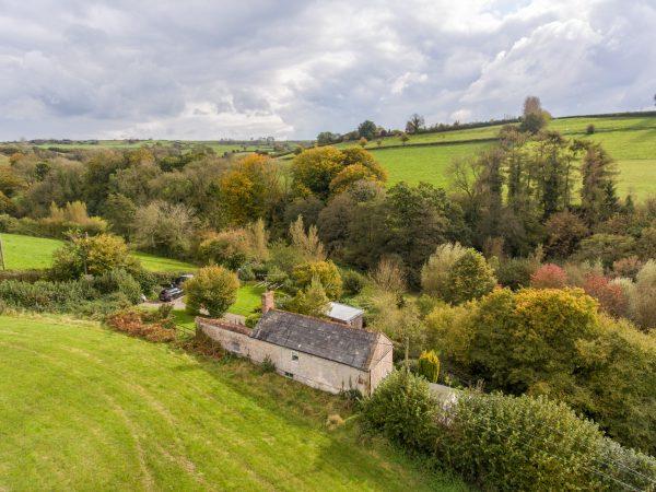 Batcombe- Idyllic cottage tucked away, circa 1 acre