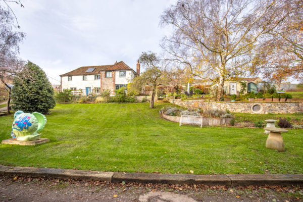 Close to Wells-Fabulous property with annexe