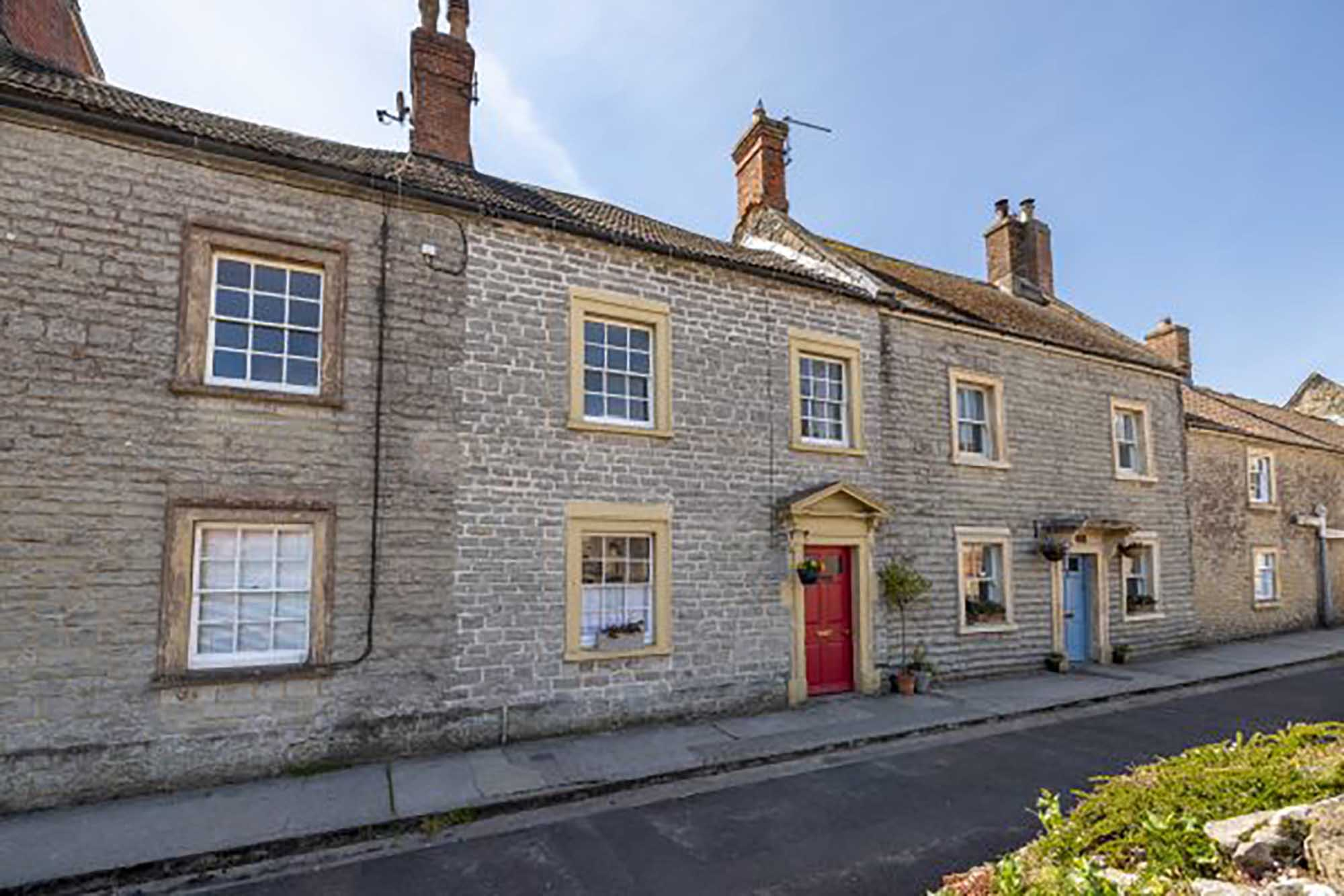 Two bed cottage near Bruton
