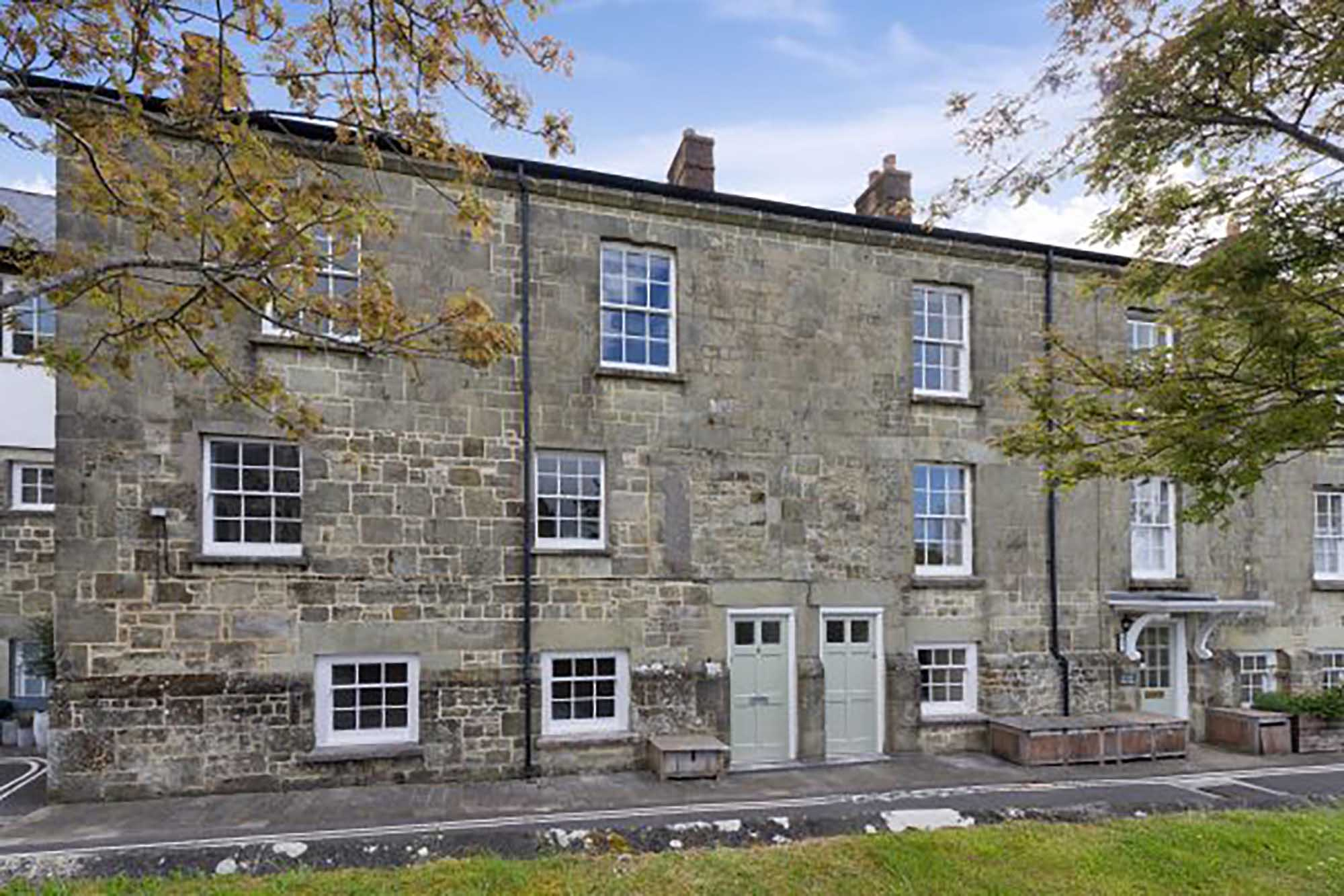 Attractive townhouse in central Shaftesbury
