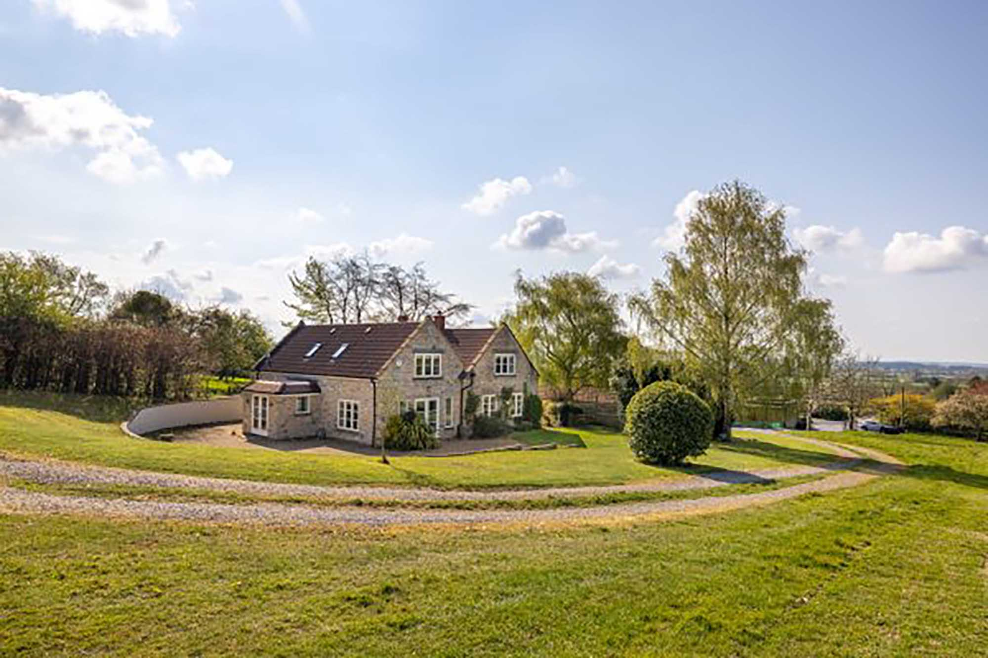 *4 bedroom Cottage in Wraxall Vineyard*