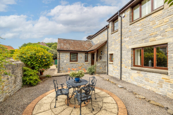 Spacious detached house, Shapwick